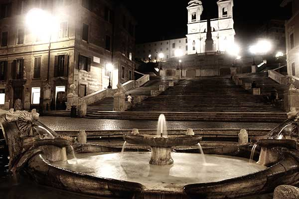 La bella Piazza di Spagna de Roma